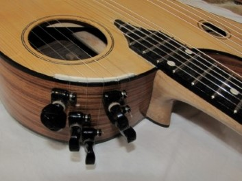 Harp guitar treble tuners